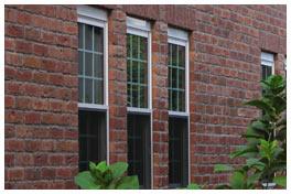 窓とレンガの壁の雰囲気がマッチ